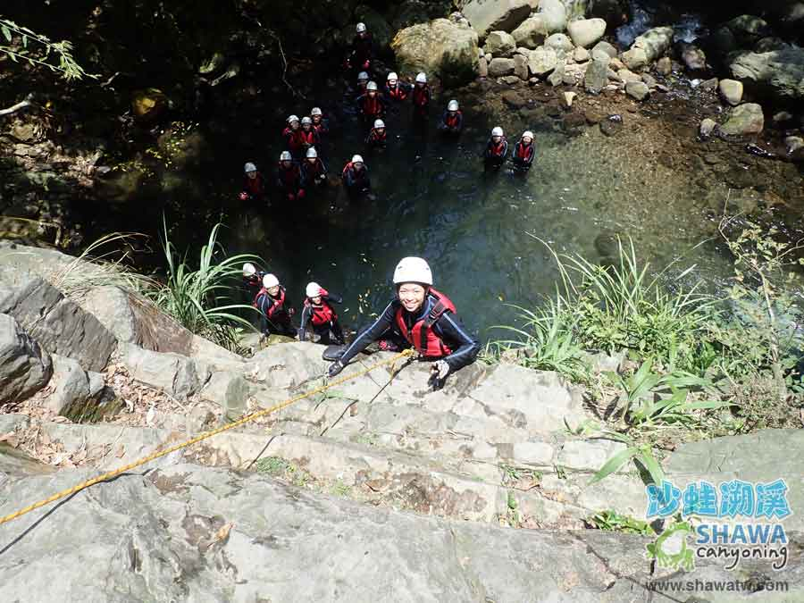 沙蛙溯溪-老梅溪-十米上攀-Shawa Canyoning & River Tracing Taiwan
