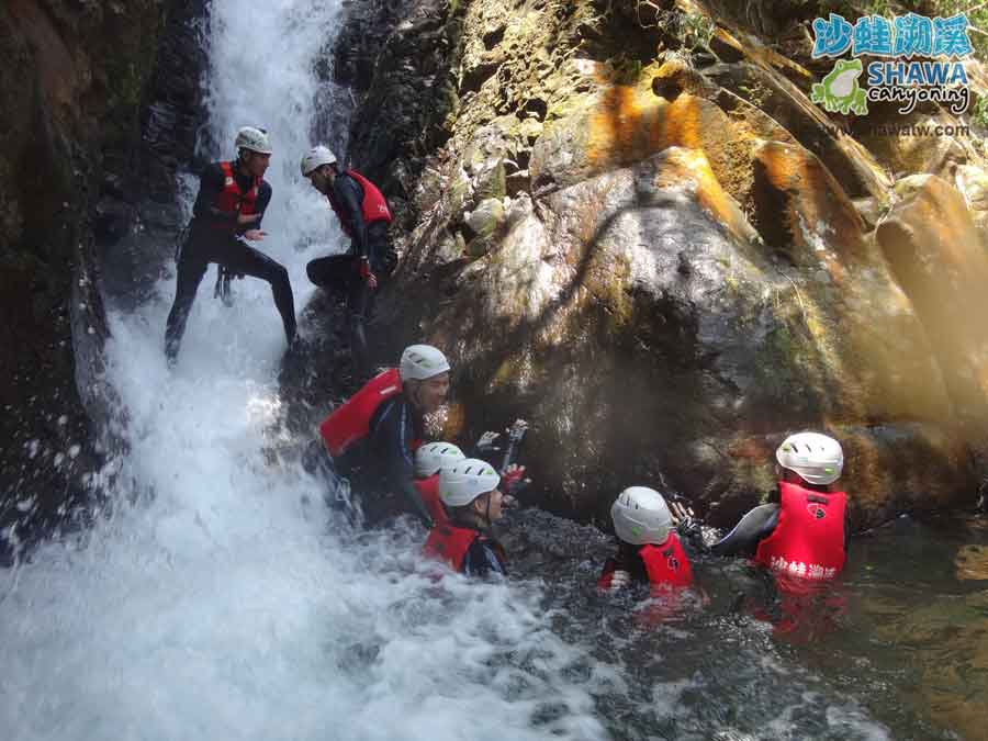 沙蛙溯溪-老梅溪-老梅瀑布2-Shawa Canyoning & River Tracing Taiwan