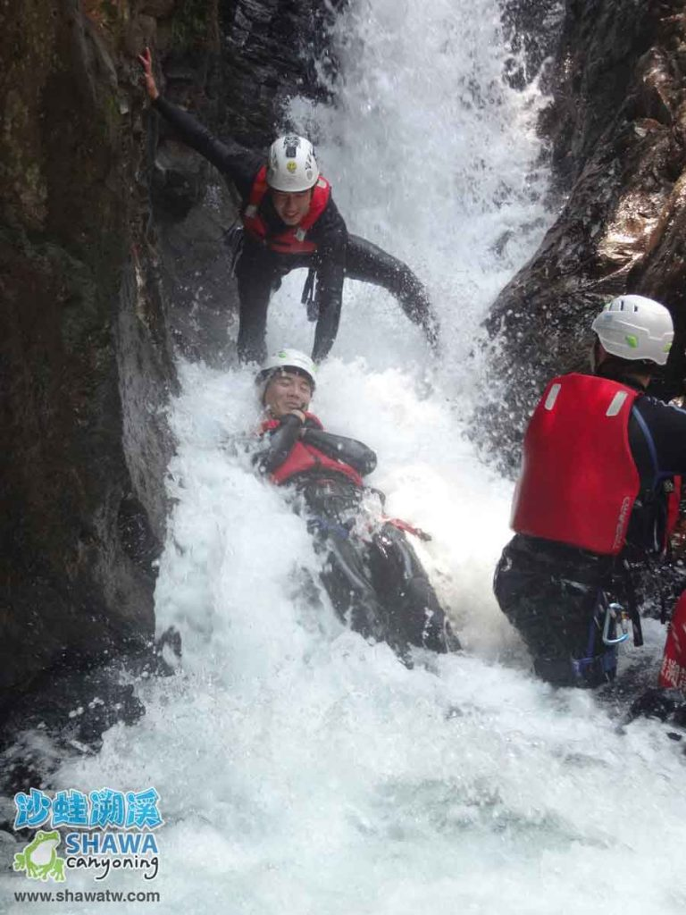 沙蛙溯溪-老梅溪-老梅瀑布3-Shawa Canyoning & River Tracing Taiwan