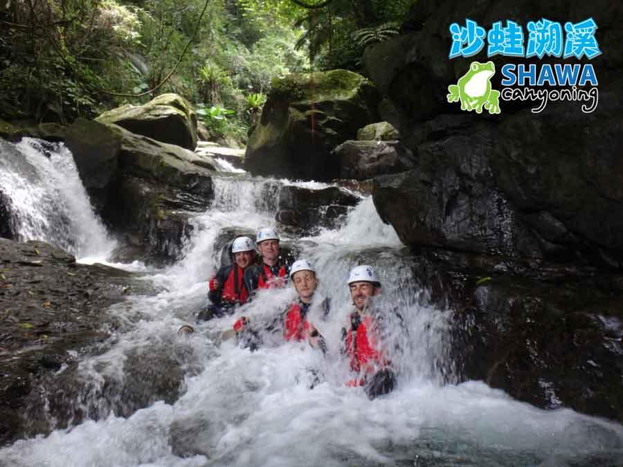 新竹梅花溪-沙蛙溯溪-必拍團體照-SHAWA CANYONING TAIWAN Mei-Hua river tracing