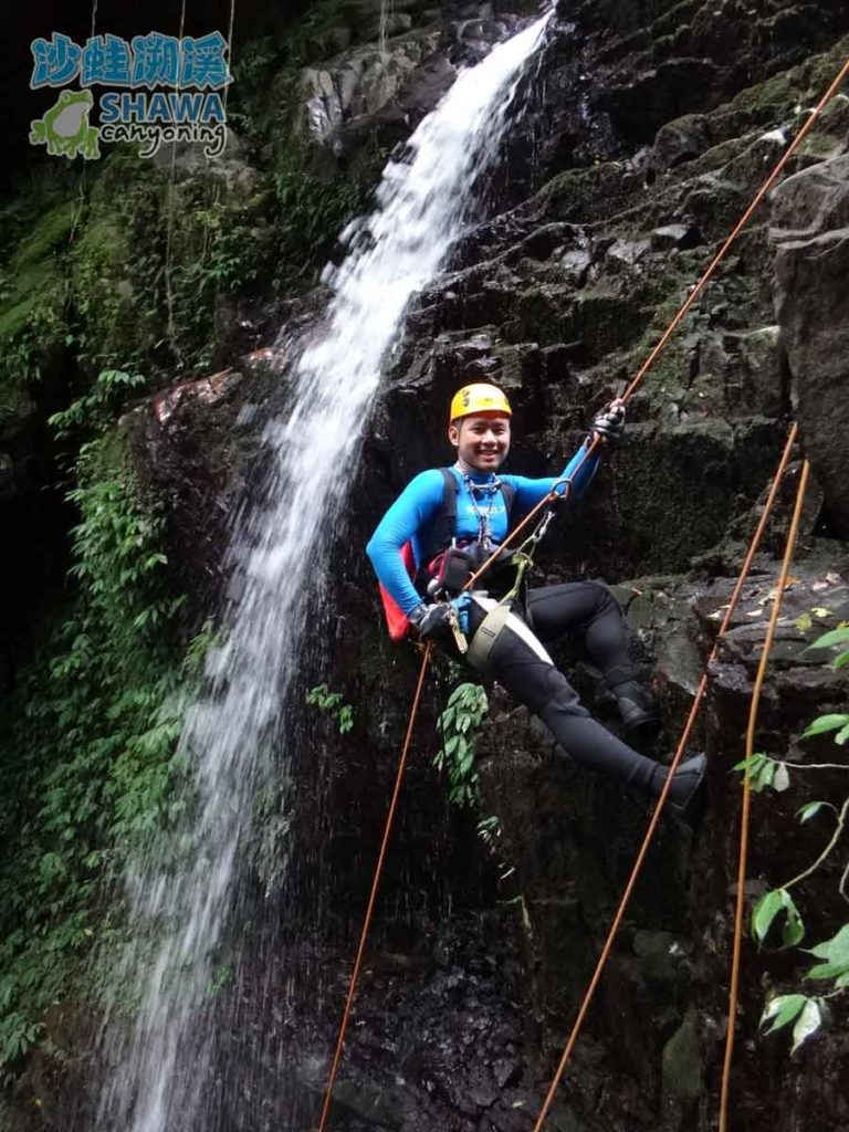 石磐溪溪降Shi-Pan canyoning 3 by 沙蛙溯溪Shawa Canyoning Taiwan