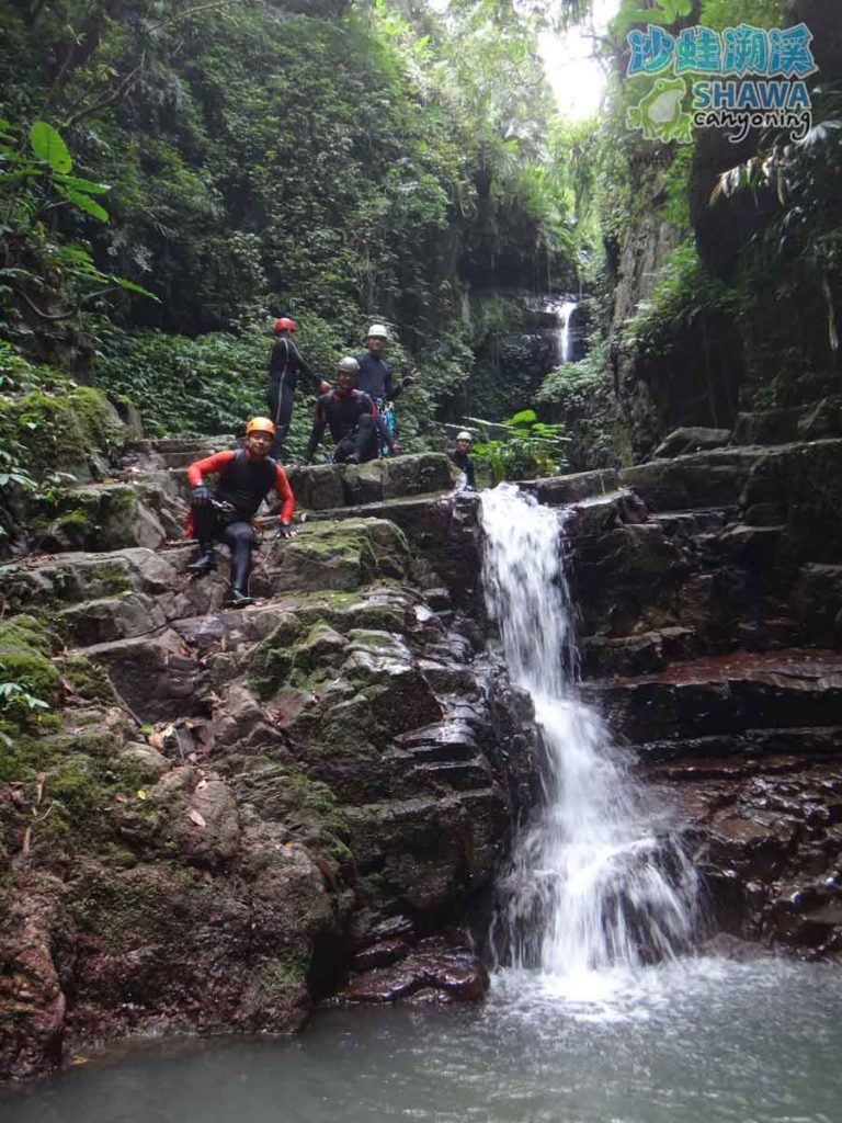 石磐溪溪降Shi-Pan canyoning 4 by 沙蛙溯溪Shawa Canyoning Taiwan