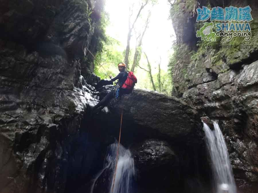 石磐溪溪降Shi-Pan canyoning 8 by 沙蛙溯溪Shawa Canyoning Taiwan