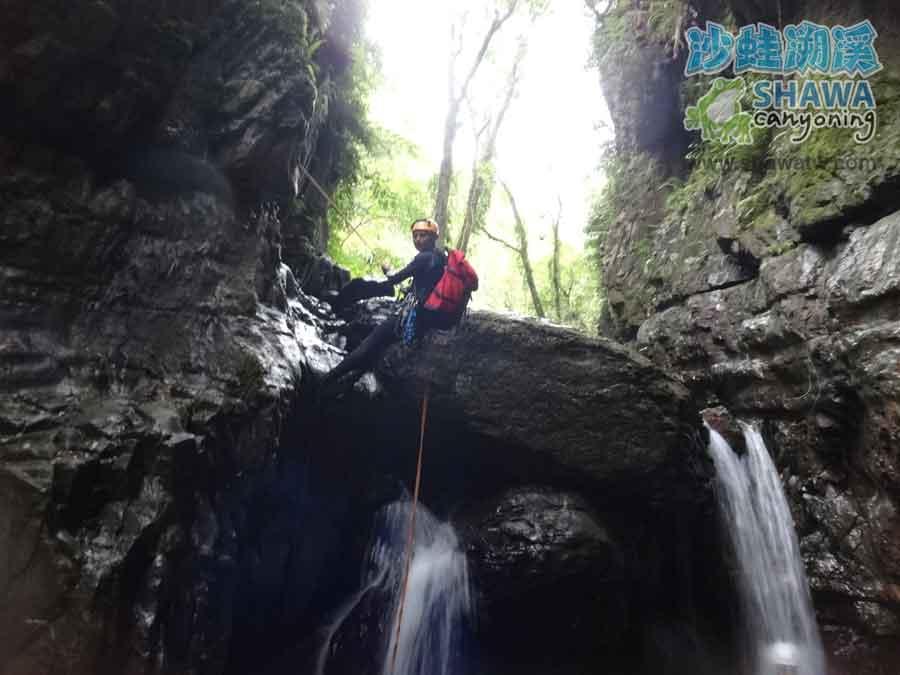 石磐溪溪降Shi-Pan canyoning 8 by 沙蛙溯溪Shawa Canyoning Taiwan