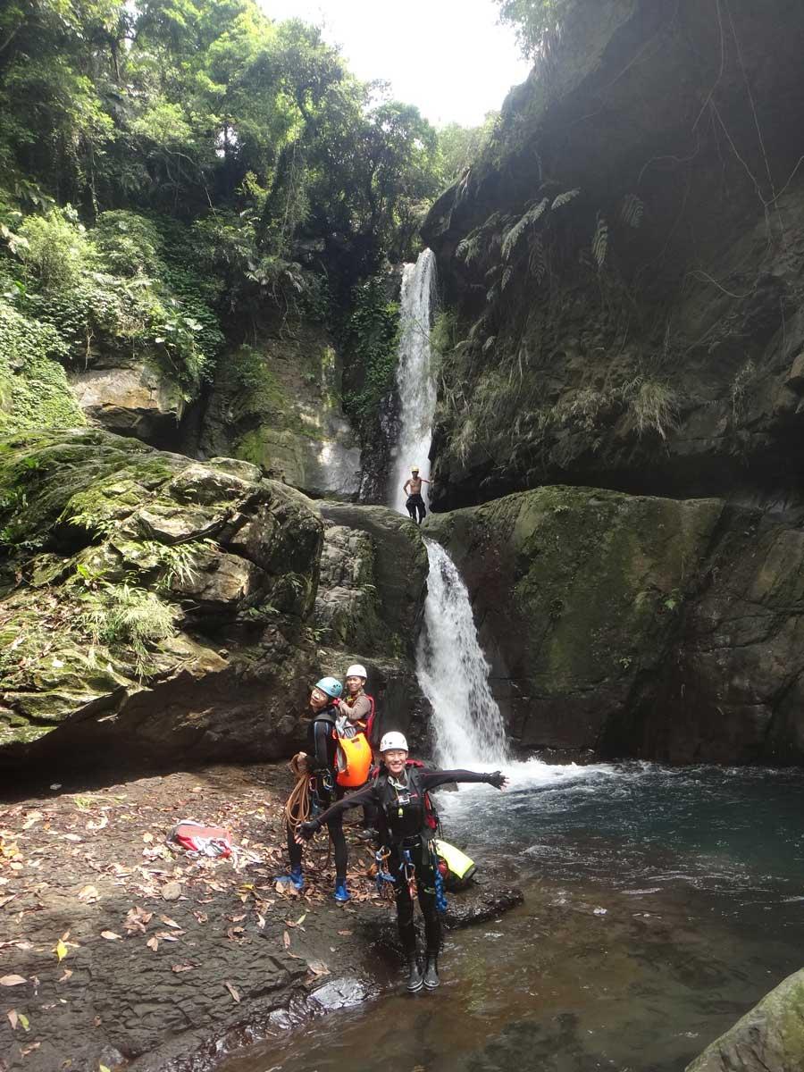 小烏來義興溪-溪降-沙蛙溯溪-神秘瀑布 (3) Shawa Canyoning Taiwan