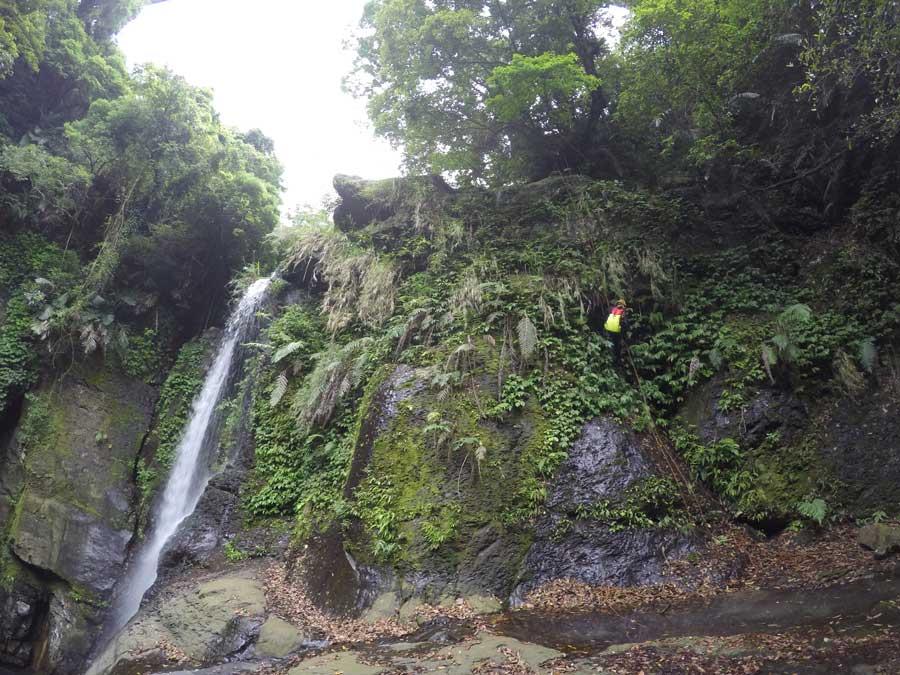 小烏來義興溪-溪降-沙蛙溯溪-神秘瀑布 (5) Shawa Canyoning Taiwan