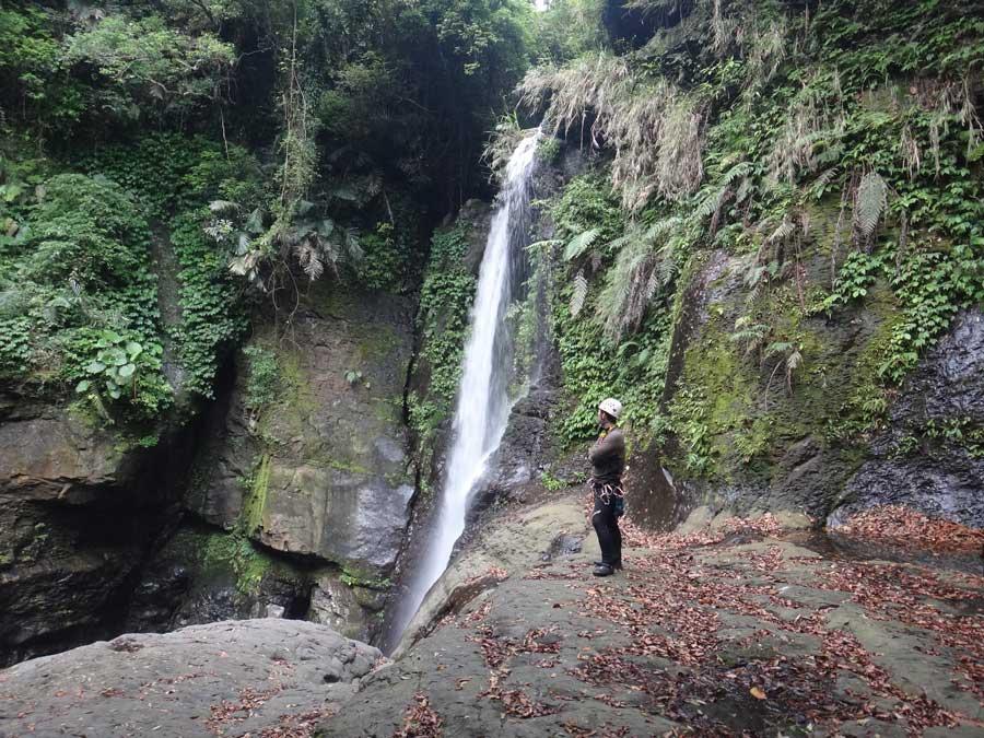 小烏來義興溪-溪降-沙蛙溯溪-神秘瀑布 Shawa Canyoning Taiwan