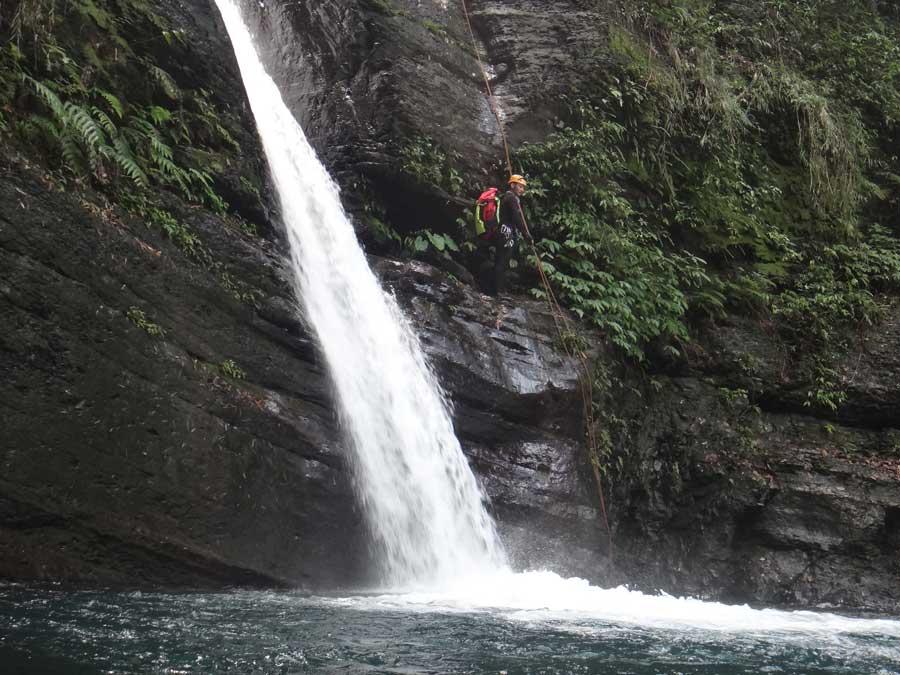 小烏來義興溪-溪降-沙蛙溯溪-龍鳳瀑布 (1) Shawa Canyoning Taiwan