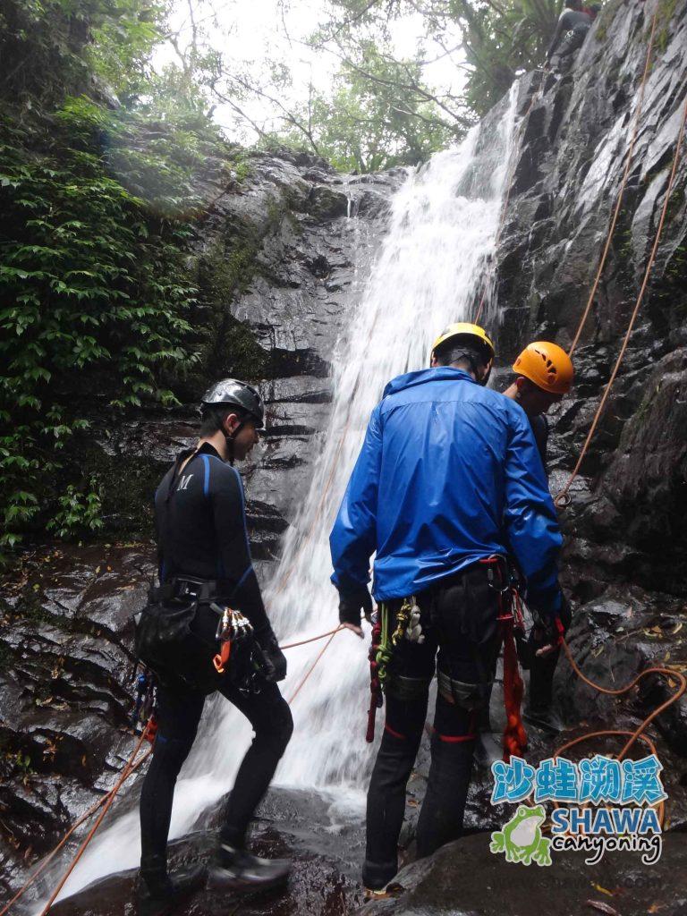 關於沙蛙溯溪-訓練-Shawa Canyoning Taiwan 17